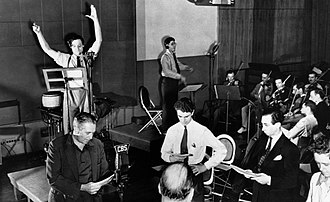 Bernard Herrmann - Herrmann conducts the CBS Radio orchestra at a rehearsal of The Mercury Theatre on the Air directed by Orson Welles (1938)