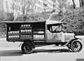Migros-Verkaufswagen Ford-T.jpg