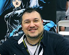 Mike lilly @ wizard world nyc experience 2013.JPG