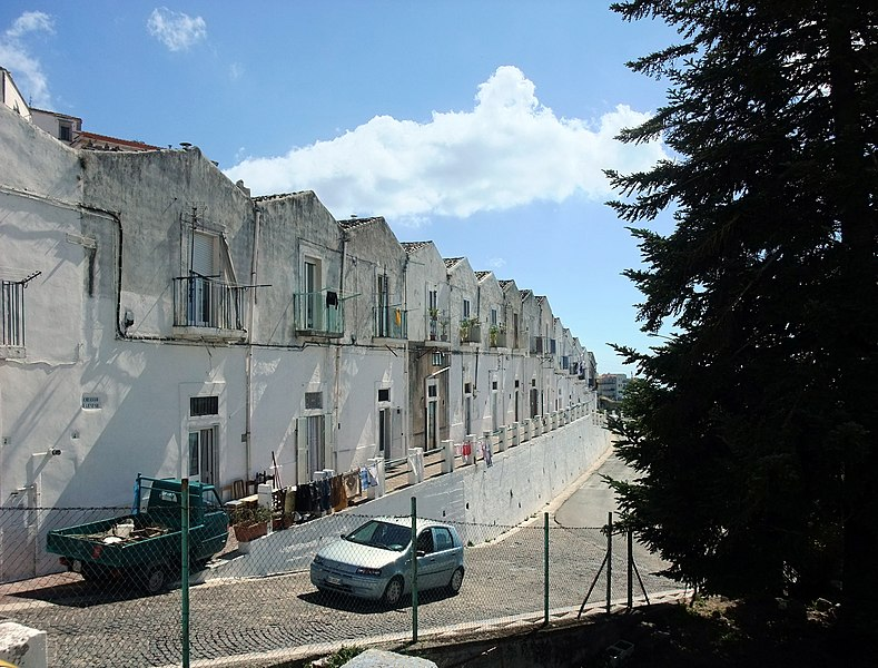File:Monte Sant'Angelo-Street05.jpg