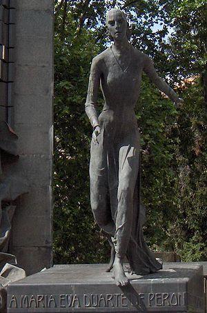 Monumento a Eva Duarte de Per%C3%B3n %28frag%29