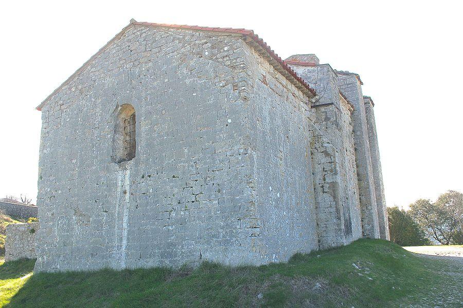 Moulès-et-Baucels (Hérault) - chevet de l'église de Saint-Jean-Baptiste de Moulès-et-Baucels (dite l'églisette)