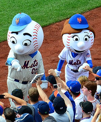 Mr. Met - Mr. Met with Mrs. Met in 2013