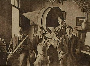 PCGG - Image: Musicians at station PCGG (1922)