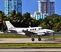 N707TL 1976 Beech E-90 C-N LW-173 (8527177840).jpg