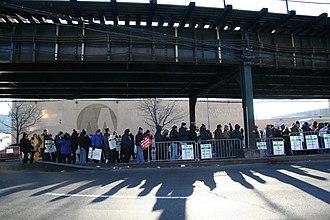 2005 New York City transit strike - Picketers at the 207th Street Yard / Kingsbridge Bus Depot.