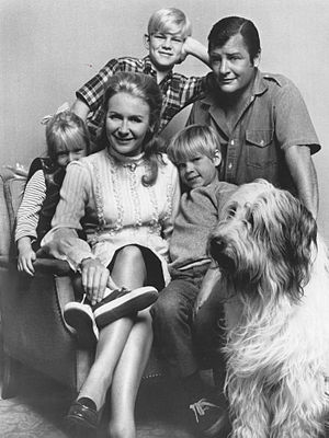 Juliet Mills - Mills with the cast of Nanny and the Professor.