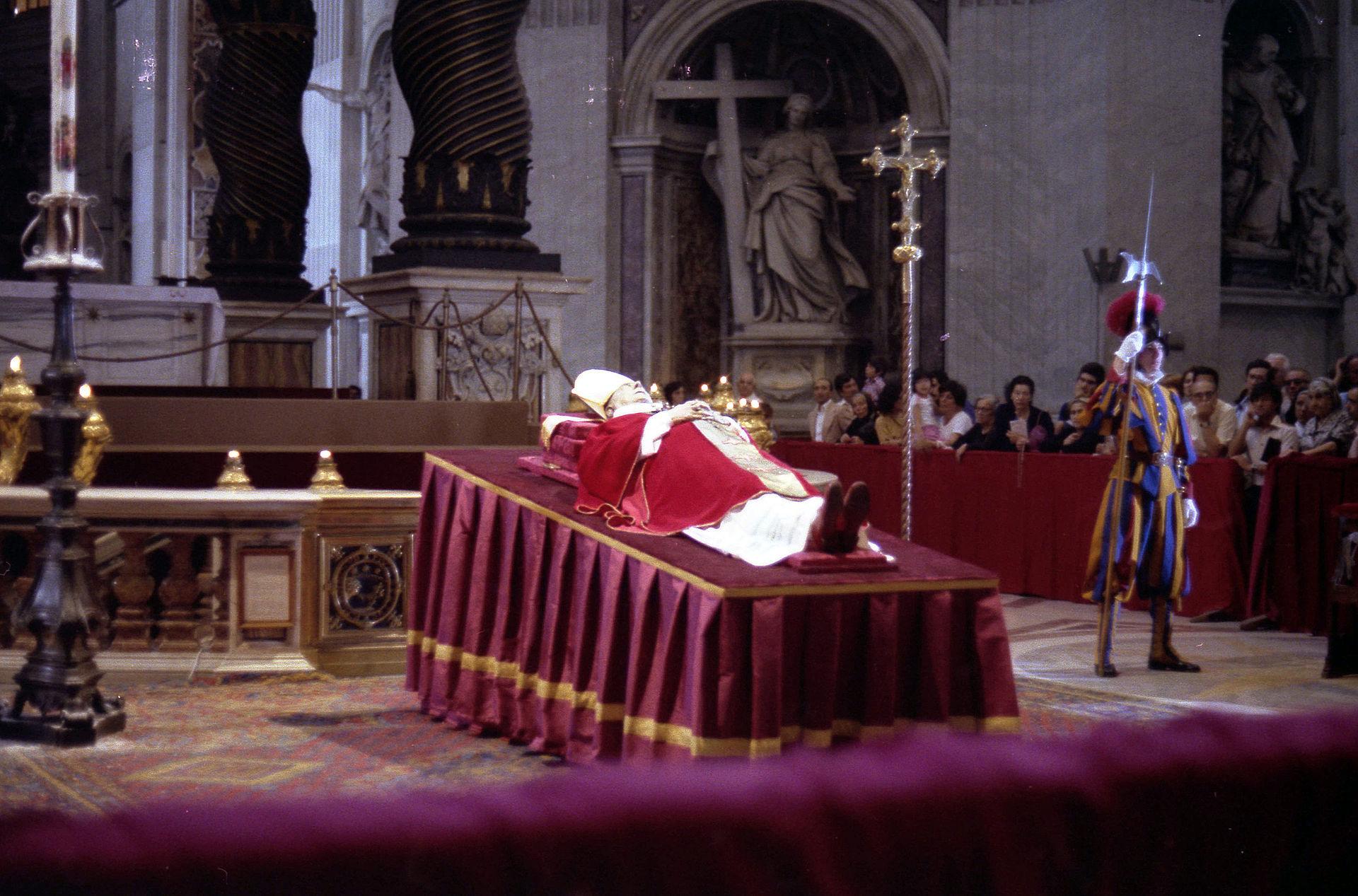 Féretro de Pablo VI