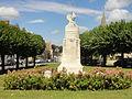 Nesles-la-Valle (95), monument aux morts, place Aristide-Partois 1.jpg