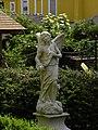 Neulengbach - Engel beim Mausoleum.jpg