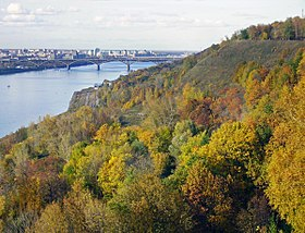 Nizhny Novgorod. Autumn view to Oka River from Shveitsariya Park (2).jpg