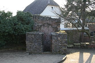 Main Limes - The southwestern corner tower of  Großkrotzenburg Roman camp – because it continued to be used until modern times, it has largely survived