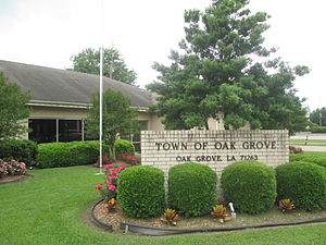 Oak Grove, West Carroll Parish, Louisiana - Image: Oak Grove, LA, Town Hall IMG 7374