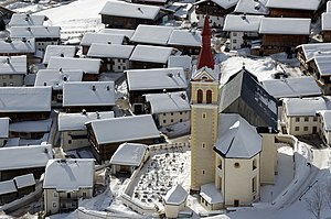 Obertilliach Pfarrkirche St Ulrich 04.jpg