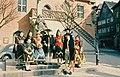 Ochsenfurt Trachtengruppe vor Rathaus 1960.jpg