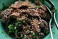 Oksekødssalat med chili og koriander (5622739616).jpg