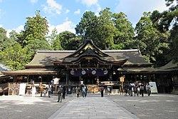 Omiwa Shrine Worship Hall.jpg
