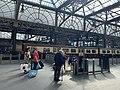 On platform in Glasgow Central railway station 07.jpg
