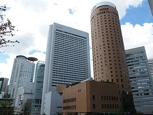 Osaka Marubiru Building and Hilton Osaka in 201409.JPG