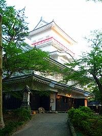 Osumi-Yagura of Kubota-Castle 20090817.jpg