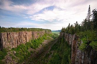 Ouimet Canyon - Image: Ouimet Canyon Canada Ontario taken by photographer David Sullivan