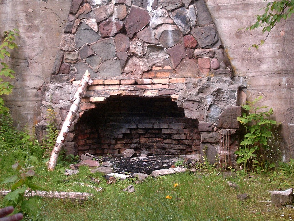 File overlook mountain house fireplace jpg wikimedia commons for Mountain house media
