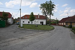 Overview of center of Valdíkov, Třebíč District.jpg