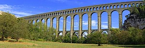 Roquefavour Aqueduct - The aqueduct in 2011