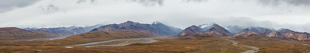 Parque nacional y reserva Denali, Alaska, Estados Unidos, 2017-08-30, DD 13-19 PAN.jpg