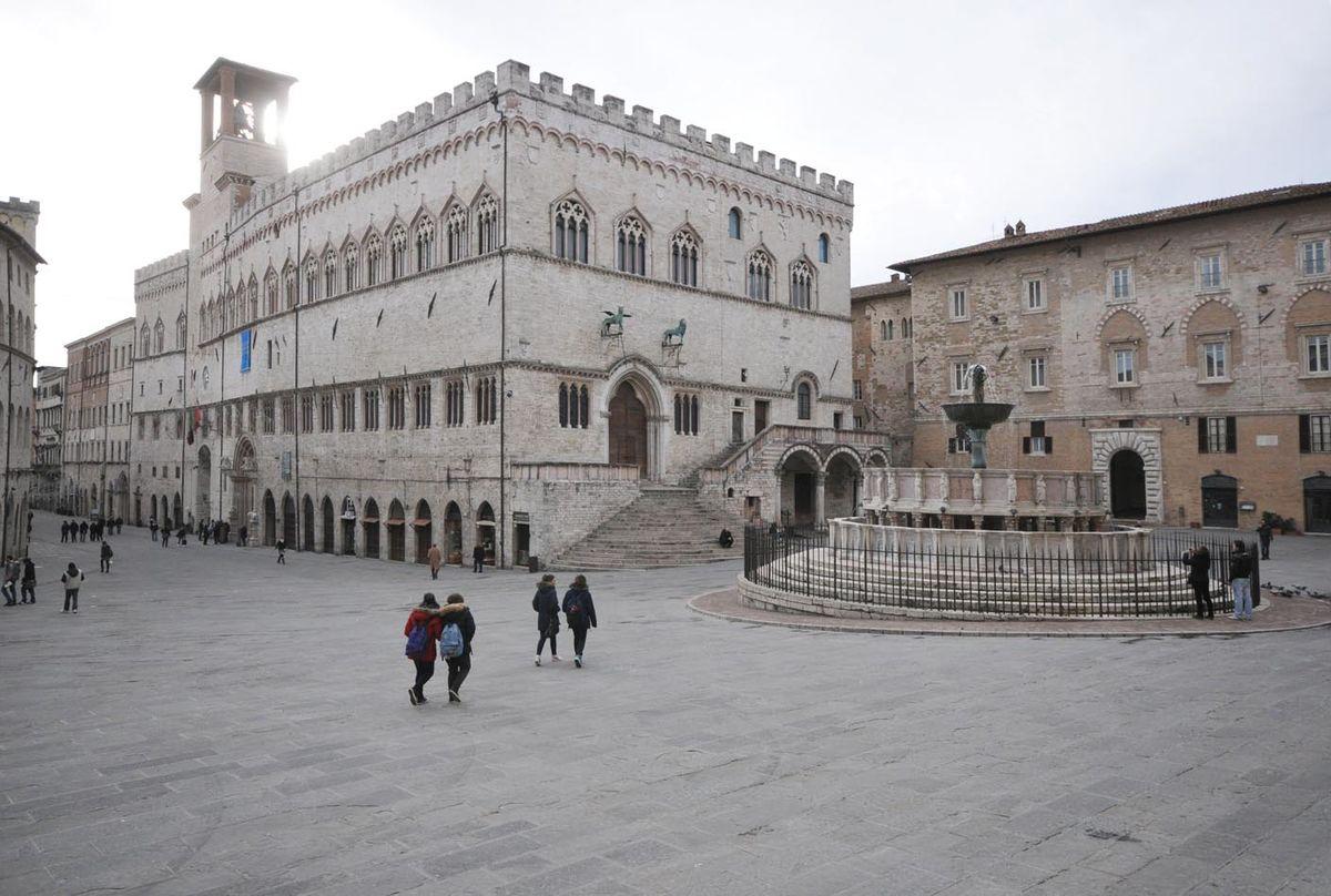 Piazza iv novembre wikipedia la enciclopedia libre for Arredare milano piazza iv novembre