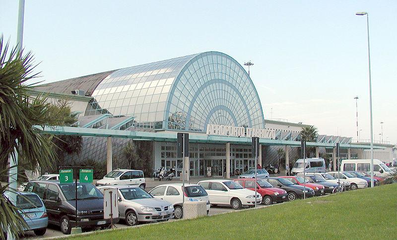 File:Pescara aeroporto.jpg