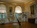 Peterhof musicroom 20021011.jpg