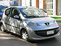 Peugeot 107 1.4 HDi Urban 2008 (11920512936).jpg