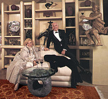 Phyllis Morris And Husband Nathan Goller In 1985 In The Beverly Boulevard  Showroom. A Massive Room Divider Exemplified The Large Scaled Furnishings  Offered ...