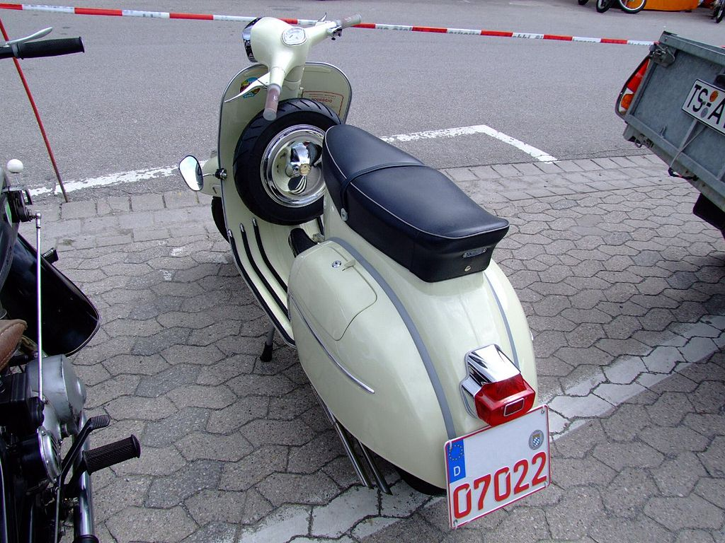 file piaggio vespa gl retro jpg wikimedia commons. Black Bedroom Furniture Sets. Home Design Ideas