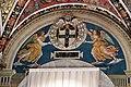 Pinturicchio e aiuti, angeli reggono lo stemma piccolomini, 1502-1507, 01.JPG