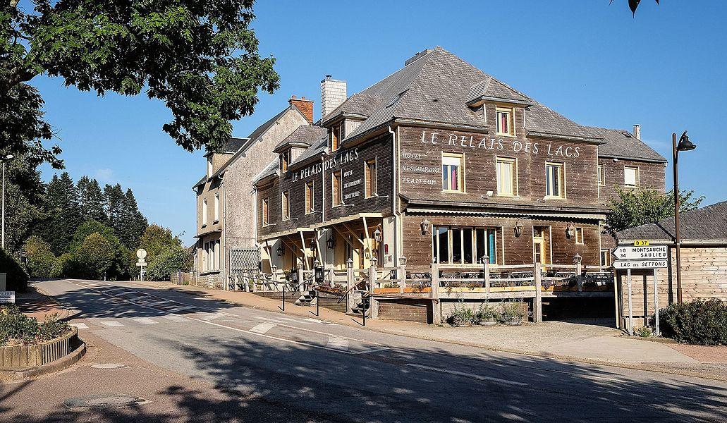 Hotel and restaurant Relais des Lacs, Planchez, Département Nièvre, Bourgogne-Franche-Comté, France