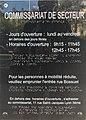 Plaque du commissariat de secteur (Lyon 6e) rue Tête d'Or en français et en braille.JPG