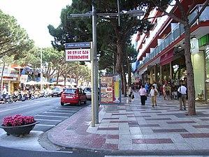 Castell-Platja d'Aro - Shopping Main street