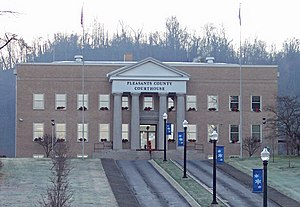 Pleasants County Courthouse.jpg