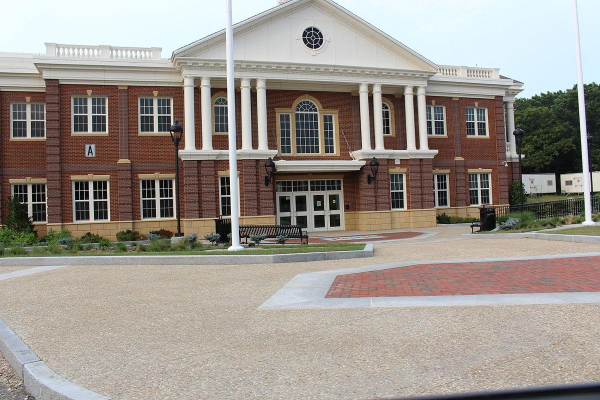 Plymouth North High School - Wikipedia