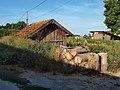 Pont-sur-Vanne-FR-89-baraque & bois-02.jpg