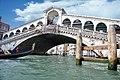 Ponte di Rialto in Venice - 2010 (11640483383).jpg