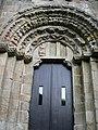 Portada do Mosteiro de Carboeiro - panoramio.jpg