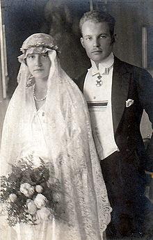 Anna und elisabeth 1933 online dating 9