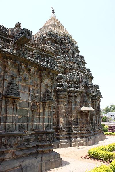 File:Profile of Vesara tower and shrine in the Mahadeva Temple at Itagi in the Koppal district 1.JPG
