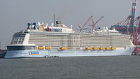 Quantum of the Seas 03+ (cropped).jpg