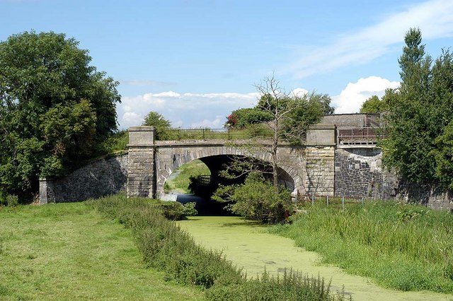 Railway Bridge - geograph.org.uk - 501975.jpg