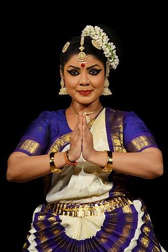 Mohiniyattam - A Mohiniattam pose by Rekha Raju.