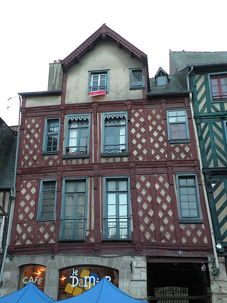 Fichier:Rennes 9placeSainte-Anne.jpg